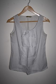 TU Womans Fashion Designer Top Blouse Cream White Strip 100% Cotton Sleeveless 8