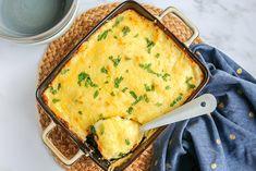 Met dit recept zet je in een mum van tijd een lekkere ovenschotel met prei en kerrie op tafel. Makkelijk, lekker en in 25 min. in de oven. Food Porn, How To Cook Meatballs, Curry, Vegetarian Recipes, Healthy Recipes, Bruschetta, Lasagna, Quiche, Mashed Potatoes