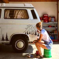 Bus Living, Van Life, Vw Camper Vans, Diy Camper, Camper Life, Rv Campers, Vw Vans, Caravan Paint, Campervan Ideas