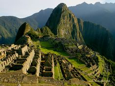 machu-picchu a pre-Columbian Inca site located metres above sea level. Machu Picchu is located in the Cusco Region of Peru, South America. Voyage Montreal, Places To Travel, Places To See, Travel Destinations, Lac Titicaca, Machu Picchu Tours, Future Travel, Dream Vacations, Vacation Travel