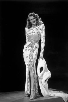 Hollywood actress Rita Hayworth as Gilda, in the film of the same name. Title: Gilda Studio: Columbia Director: Charles Vidor Get premium, high resolution news photos at Getty Images Hollywood Fashion, Old Hollywood Glamour, Golden Age Of Hollywood, Vintage Glamour, Hollywood Style, Vintage Fur, Hollywood Icons, Vintage Beauty, Classic Hollywood
