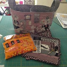 Kwilty Pleasures: GHASTLIES REVEAL - DAY 3 - Wednesday - @houseofbadcats made the mug rugs and fabric basket, other items added to swap package.