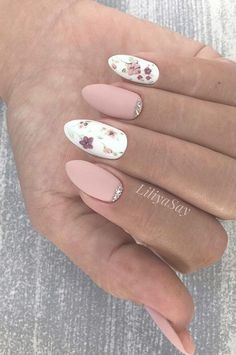 Nails Design: Night Entertainment for 42 Festive and Bright Nail Art Ideas For New 2019 - Pag. : Nails Design: Night Entertainment for 42 Festive and Bright Nail Art Ideas For New 2019 - Page 32 of 42 - - Nail Art Designs, White Nail Designs, Simple Nail Designs, Beautiful Nail Designs, Beautiful Nail Art, Acrylic Nail Designs, Nails Design, Acrylic Nails, Gel Nail