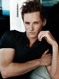 Eddie Redmayne...I could stare at him all day..