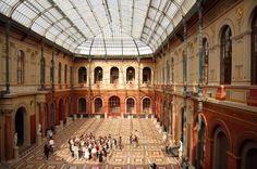 Plik:Ecole Nationale Superieure des Beaux-Arts cour interieure.JPG –  Wikipedia, wolna encyklopedia