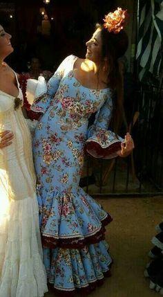 Spanish style – Mediterranean Home Decor Flamenco Party, Flamenco Costume, Dance Costumes, Flamenco Dresses, Spanish Dress, Spanish Style, Mode Simple, Abaya Fashion, African Fashion Dresses