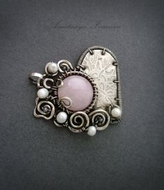 heart with rose quartz