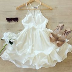 I know your not really supposed to wear white to a wedding but I'd totally wear this chiffon white dress outfit Pretty Dresses, Sexy Dresses, Casual Dresses, Backless Dresses, Awesome Dresses, Ladies Dresses, Skater Dresses, Mini Dresses, Dance Dresses