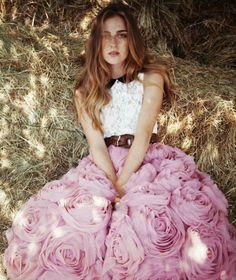 Gorgeous Rosette Skirt  DIY Make Your Own -   http://bubblynaturecreations.com/2011/11/tulle-rosette-vest-dress-and-skirt.html