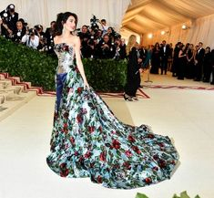 The first Monday in May annually brings together the great and the good from the realms of fashion and film for the Met Gala. See all of the Met Gala 2018 dresses and outfits straight from the red carpet, below. Oscar Dresses, Gala Dresses, Nice Dresses, Long Dresses, Amal Clooney, George Clooney, Tulle Gown, Film Awards, Celebrity Red Carpet