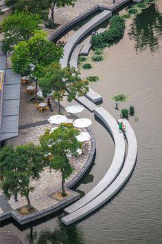 Ландшафтным архитекторам часто приходится заниматься преображением мест, содержащих индустриальные и даже токсичные отходы; инфраструктуры, которая давно не используется по назначению или была разрушена войной, природными катаклизмами или просто временем