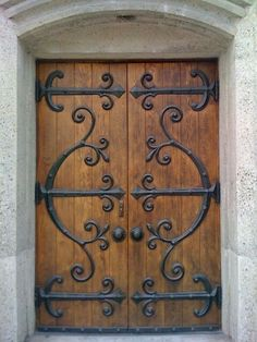 Wrought iron doors are indeed a style from the past. With creativity, you can make your house look more sophisticated with the wrought iron front doors. Iron Front Door, Wooden Front Doors, The Doors, Rustic Doors, Entrance Doors, Windows And Doors, Patio Doors, Entrance Ideas, Doorway