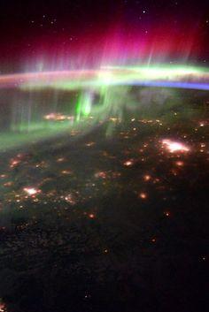 Northern Lights Illuminate Canada In NASA Astronaut Scott Kelly's Photos of the Pacific Northwest