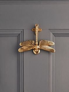 NEW Solid Brass Dragonfly Door Knocker - Decorative Outdoors - Outdoor Garden Accessories - Outdoor Living Looking forward to Ainz and I hosting Friday night dinners at Grey House/Gray House! Design Blog, Home Design, Interior Design, Design Art, Modern Design, Design Ideas, Door Knockers Unique, Brass Door Knocker, Brass Door Handles