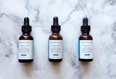Skinceuticals CE Ferulic and Phloretin CF. Should you use Vitamin C serum in the morning or at night? Does that affect it's collagen producing benefits? Everything you ever wanted to know about ascorbic acid. Demystifying it all, right here.
