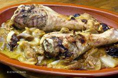 La carne de pavo es carne blanca de ave, baja en colesterol y grasas y alta en proteínas. Esta es la receta casera para guiso de muslos de pavo en su salsa.