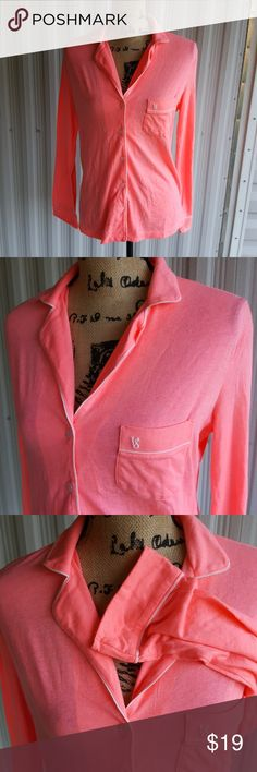 Sp hot pink victoria secret sleep shirt Excellent condition new without tags! Size small hot pink button-down Victoria's Secret sleep shirt with functional front pocket and vs monogram. Victoria's Secret Intimates & Sleepwear Pajamas