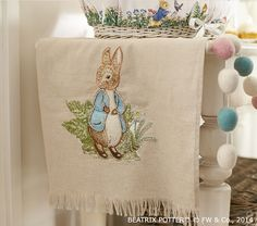 Peter Rabbit Easter Tablecloth Vajillas En 2019