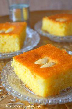 Basboussa aux amandes et au lait concentré sucré une recette sans oeufs facile et rapide à réaliser pour accompagner un bon verre de café ou thé à la menthe pour ce mois béni de Ramadan 2017.