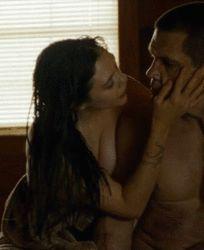 Elizabeth olsen hot kiss