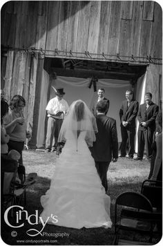 Country Wedding - Are you or someone you know getting married in Ohio, check out Cindy's Photography for an experienced and affordable wedding photographer