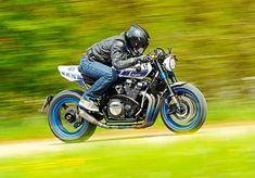 Yamaha XJR 1300 des Tuners Klein >>> Der Sound sorgt für Pilates im Wald. Ducati, Yamaha Xjr, Dominik Klein, Xjr 1300, Vehicles, Pilates, Design, Yamaha Motorcycles, Landing Gear