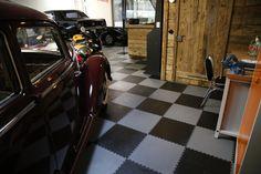 PVC Bodenplatten in Raceingflag Optik Garage Boden, Rugs, Home Decor, Checkerboard Pattern, Flooring Tiles, Boards, Darkness, Farmhouse Rugs, Interior Design