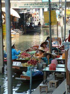 Floating Market . Bangkok