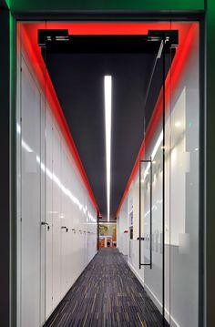Corridor, InterContinental Hotels Group, Denham http://www.morganlovell.co.uk/gallery #morganlovell #workspacebranding