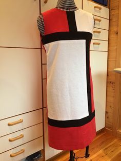 Ellen's Sewing Passion: Challenge #7 - Sewing Bee