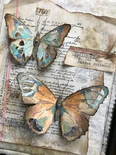 A Collection of Tattered Butterflies - Tim Holtz die Distress mediums etc. Paper Butterflies, Butterfly Art, Paper Flowers, Butterfly Mobile, Book Crafts, Arts And Crafts, Paper Crafts, Art Papillon, Art Journal Inspiration