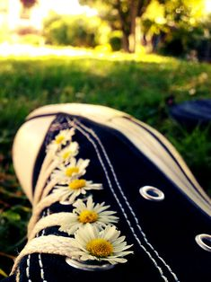 ★ Converse All Star ★ Pinterest Photography, Girl Photography, Creative Photography, Amazing Photography, Flower Aesthetic, Aesthetic Photo, Aesthetic Pictures, Artsy Photos, Cool Photos