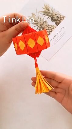 An interesting idea to try at home ✨ Diy Crafts Hacks, Diy Crafts For Gifts, Diy Arts And Crafts, Creative Crafts, Creative Ideas, Paper Flowers Craft, Paper Crafts For Kids, Flower Crafts, Paper Crafts Origami