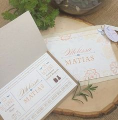 Wedding invitations. Cardboard, cotton for the envelope, recycled paper, seed paper... destination wedding. Boda. Invitaciones. Cancun