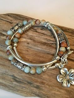 The sterling silver bracelets have actually been incredibly popular amongst women. These bracelets are available in various shapes, sizes and designs. Wire Jewelry, Boho Jewelry, Jewelry Crafts, Beaded Jewelry, Jewelry Bracelets, Jewelry Design, Wrap Bracelets, Pearl Jewelry, Silver Bracelets
