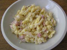 špecle s uzeným masem, zelím a smetanou Pasta Salad, Menu, Ethnic Recipes, Crab Pasta Salad, Menu Board Design, Noodle Salads, Macaroni Salad
