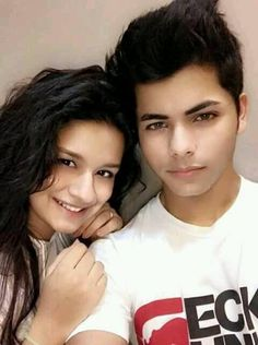 Avneet&siddhant are best friends Bollywood Actors, Bollywood Celebrities, Teen Celebrities, Celebs, Maya Ali, Photo U, Prettiest Actresses, Stylish Boys, Child Actors