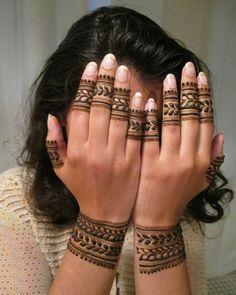 Most Beautiful Henna Designs 2019 Henna Designs Wrist, Circle Mehndi Designs, Modern Henna Designs, Henna Tattoo Designs Simple, Indian Mehndi Designs, Mehndi Designs For Beginners, Mehndi Designs For Girls, Mehndi Design Photos, Mehndi Designs For Fingers