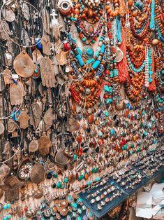 The 7 most inspiring things to do and see in Marrakech without the crowds. Die 7 inspirierendsten Dinge, die man in Marrakesch ohne Menschenmassen unternehmen und sehen kann. Hippie Style, Bohemian Style Jewelry, Hippie Jewelry, Hippie Boho, Modern Hippie, Boho Gypsy, Boho Style, Marrakech Travel, Morocco Travel