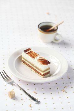 A receita em português está em baixo.     Абсолютно гениальное и совершенное во всех отношениях пирожное от японского конди...
