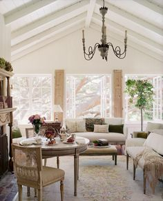 Love this white wood paneling!