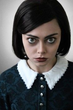 Wednesday Addams from Addams Family Musical Adams Family Costume, Family Costumes, Diy Costumes, Wednesday Addams Makeup, Family Cosplay, Broadway Costumes, Theatre Costumes, Halloween Wigs, Halloween Office