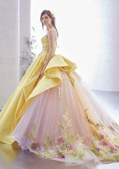 Yellow Wedding Dress, Dress Wedding, Split Prom Dresses, Fashion Dresses, Dress Outfits, Fantasy Gowns, Quince Dresses, Ball Gown Dresses, Quinceanera Dresses