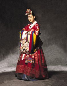 Hanbok : Korean Traditional Dress (Choseon Dynasty) for wedding) Korean Traditional Dress, Traditional Wedding Dresses, Traditional Fashion, Traditional Outfits, Korean Hanbok, Korean Dress, Korean Outfits, Korean Clothes, Korean Bride