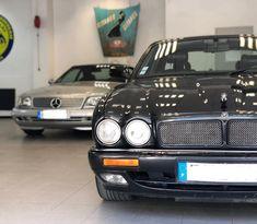 Quand deux anciennes se rencontrent. #mercedes #sl500 #jaguar #xj6 #mercedes500sl #mercedessl #jaguarxj #jaguarxj6 #nimes #carrosserie… Mercedes Sl500, Vehicles, Car, Instagram, Dating, Automobile, Autos, Cars, Vehicle