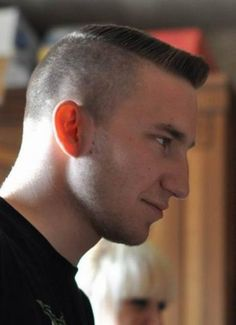 This gallery includes 13 excellent men's haircuts for guys looking for a short, military haircut. Hot Haircuts, Great Haircuts, Summer Haircuts, Modern Hairstyles, Cool Hairstyles, Mens Clipper Cuts, Flat Top Haircut, Shave My Head, Rockabilly Hair