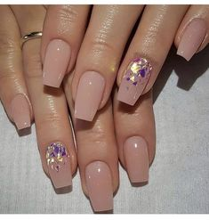 Nail art designs are quite a popular thing amongst girls. Just Explore here and see our Best & Easy Nail Art Designs to make your finger more beautiful. Simple Nail Art Designs, Toe Nail Designs, Easy Nail Art, Acrylic Nail Designs, Cuffin Nails, Nude Nails, Pink Nails, Nail Polishes, Glitter Nails