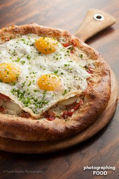 """in-my-mouth: """" Breakfast Pizza """" Brick Oven Pizza, Best Italian Recipes, Breakfast Pizza, Light Recipes, Coffee Break, Food Dishes, Avocado Toast, Vegetable Pizza, Food Photography"""