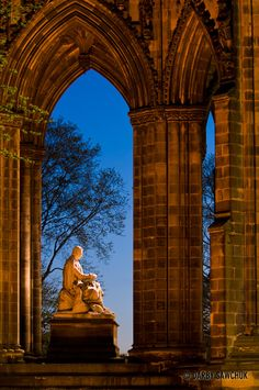 Scott Monument in Edinburgh by Manchester Photographer Darby Sawchuk - dsphotographic.com