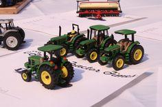 1/64 custom 5 Series John Deere tractors